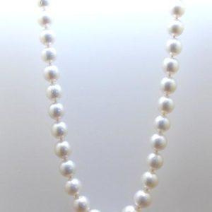 Collar de perlas australianas con cierre de oro 18k