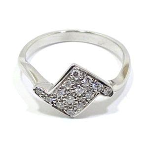Anillo de oro blanco 18k con diamantes en romboide