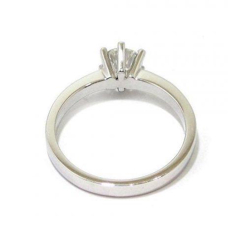 Anillo solitario oro blanco 18K con diamante talla brillante 0,65ct
