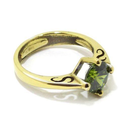 Anillo circonita verde de plata dorada