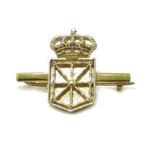 Aguja escudo Navarra 21mm Plata amarilla