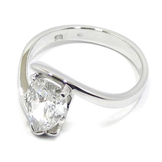 Anillo solitario oro blanco diamante pera 1.37ct