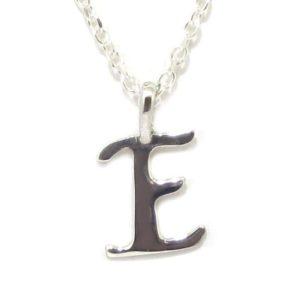 Colgante inicial E cadena plata